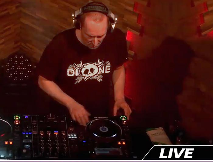 Dione live at Decade live stream